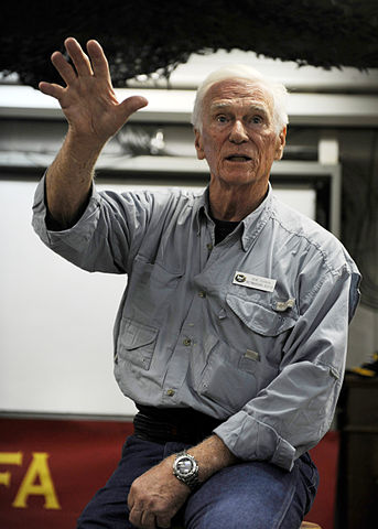 343px-us_navy_101009-n-6427m-167_retired_astronaut_capt-_gene_cernan_speaks_with_marines_assigned_to_marine_fighter_attack_squadron_28vmfa29_312_during_the