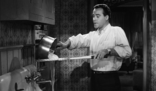 apartment-1960-movie-review-jack-lemmon-cc-baxter-straining-spaghetti-tennis-racket-cooking-best-picture-oscars